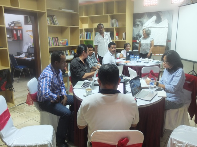 Academics workshop on teaching Chega!, Omar Munir Museum, Malang, 4-5 Nov 2015.